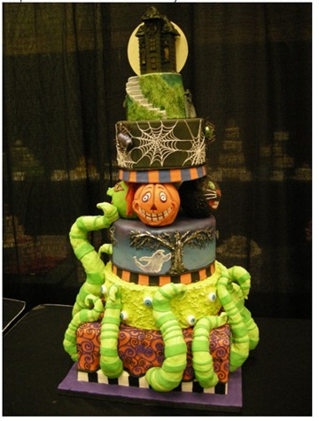 amazing-teired-halloween-cake