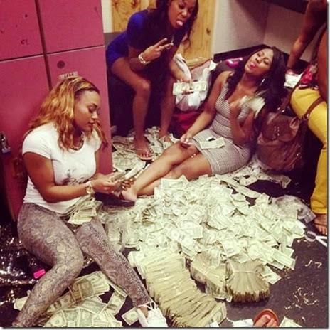strippers-money-017