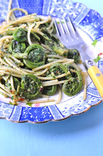 fiddleheads_pesto_spaghetti