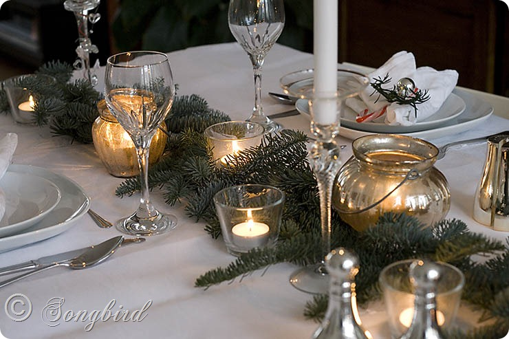 Songbird Christmas Table Setting 7