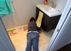 1411071 Nov 07 Barb Laying Down On The Job