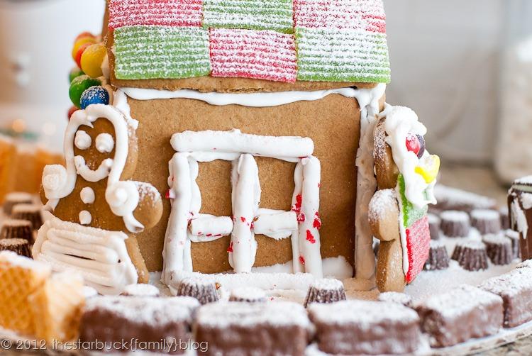 Gingerbread Houses 2012 blog-34