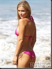 joanna-krupa-bikinis-on-the-beach-in-santa-monica-06-675x900