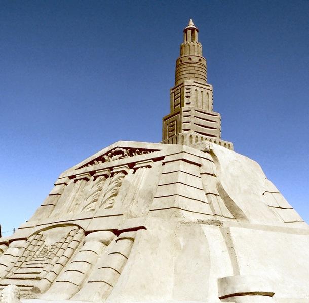 Farol_de_Alexandria_Lighthouse_in_sand