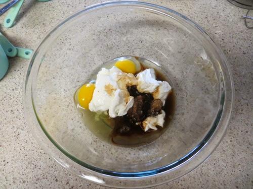 Spiced Rum Banana Nut Bread w.Cream Cheese Glaze (50)