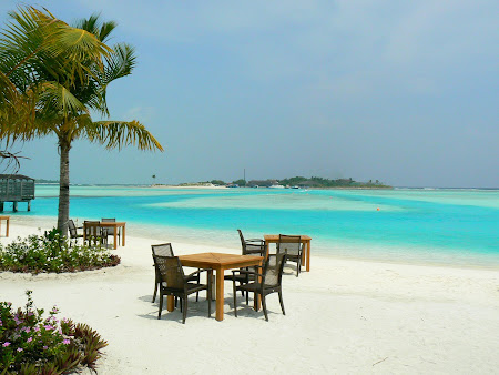 Anantara Dhigu: breakfast on the beach