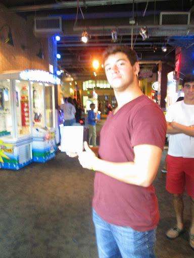 Winner-GameTime-Arcade-Prize-Redemption-Power_Beats-Giant_KeyMaster-Miami-8.11.14.JPG