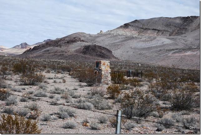 11-04-13 C Rhyolite Cemetery (18)