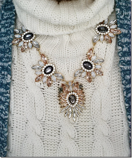 necklace-creme