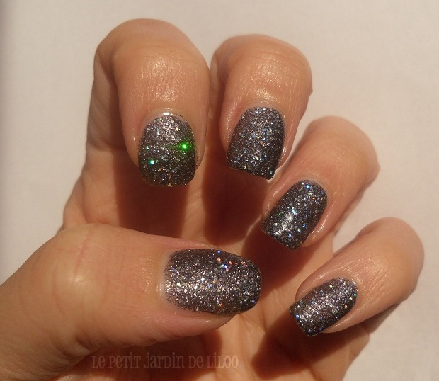003-rimmel-precious-stones-nail-polish-diamond-dust-swatch-review