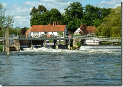 16 hambleden weir yellow board