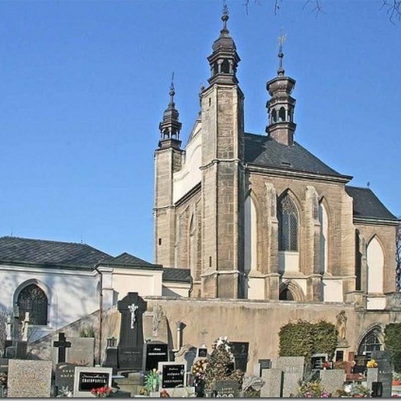 A incrível igreja decorada com ossos humanos