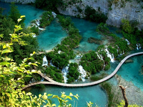 Plitvice-Lake-Croatia2-728x546