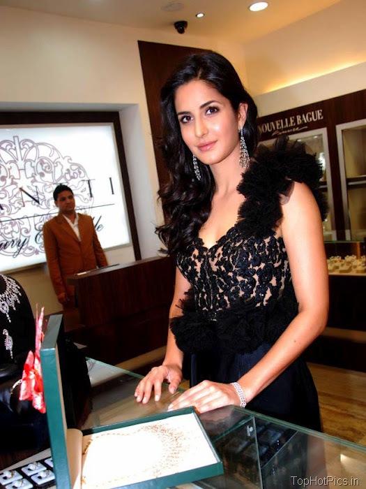 Katrina Kaif Beautiful Pics in Black Lace Dress 2