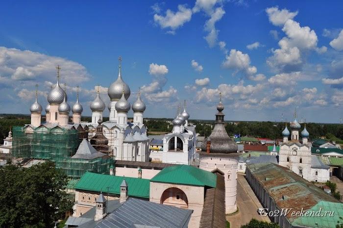Rostov kreml viewpoint.jpg