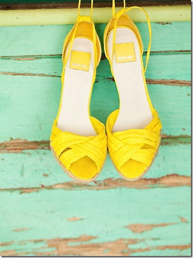 wedding_mint_yellow_decor_decoration_bride_groom_family_colors_color_colorful_style_spring_summer_day_shoes_clothes_doors_vintage