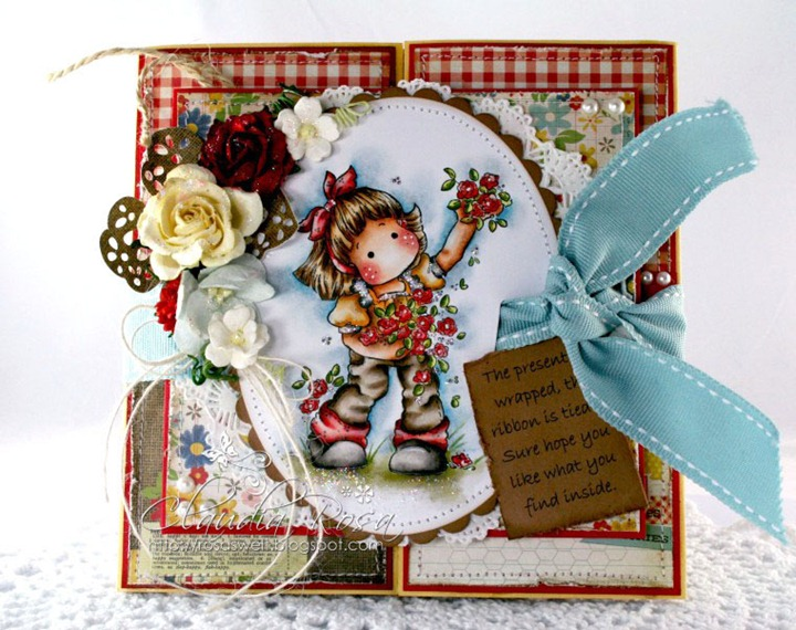 Claudia_Rosa_Present tied_1