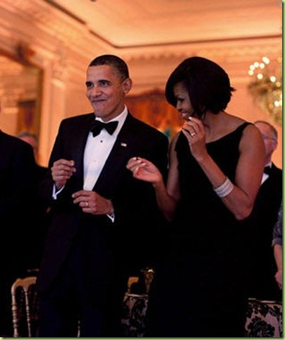 obamas_dancing_governors_ball_0310[3]