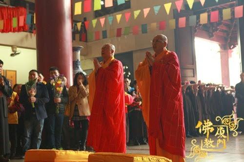 Thời sự tin tức Phật gáo thế giới - Người Áo Lam - 004