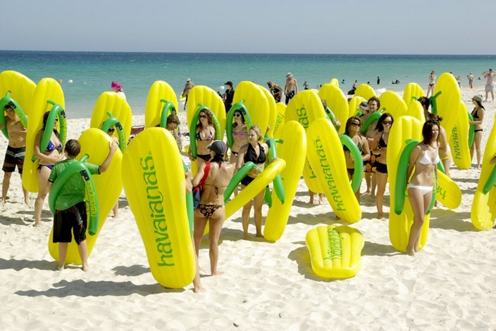 havaianas-boia-gigante-praia-2