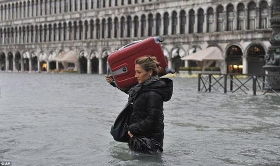 Veneza - enchente (11)