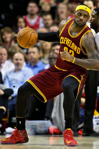 James Rocks Nike LeBron 12 8220Portland8221 PE in Another Cavs Loss