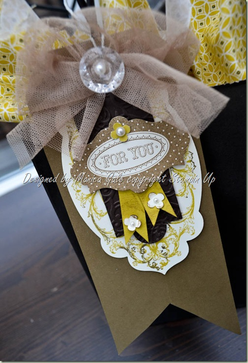 layered  labels tag