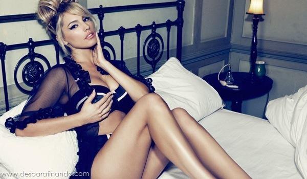 Kelly-Brooklinda-sensual-photoshoot-pics-boob-desbaratinando (5)
