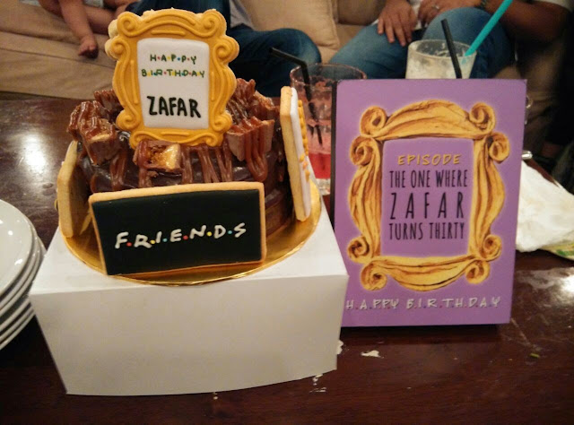 friends theme cookies as cake deco