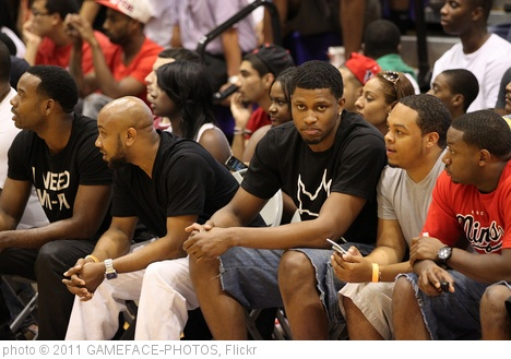 'Rudy Gay looks on' photo (c) 2011, GAMEFACE-PHOTOS - license: http://creativecommons.org/licenses/by-sa/2.0/