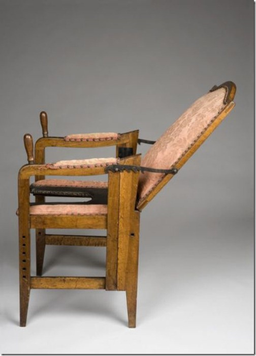 ancient_birthing_chairs_helped_women_during_childbirth_640_05
