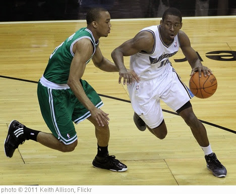 'Avery Bradley and Jordan Crawford' photo (c) 2011, Keith Allison - license: https://creativecommons.org/licenses/by-sa/2.0/