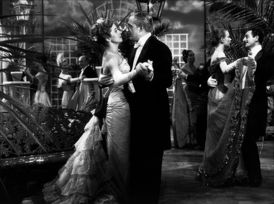 گوشوارههای مادام دو ... (ماکس افولس، 1953) یکی از فیلمهای محبوبِ ساریس