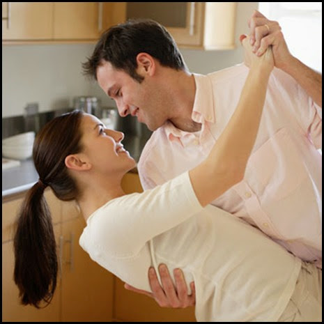couple-dancing-kitchen1