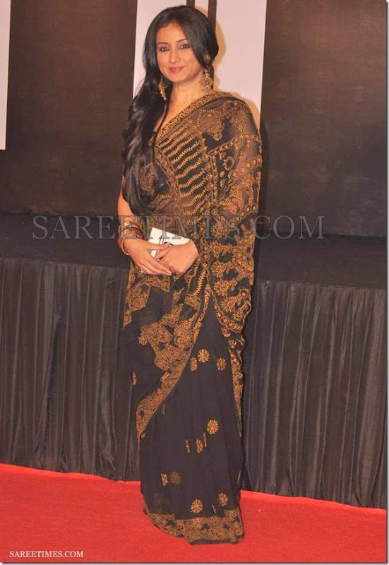 Divya_Dutta_Black_Saree