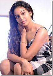 Chandni-hot