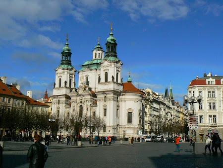 Obiective turistice Praga: Piata Primariei Vechi