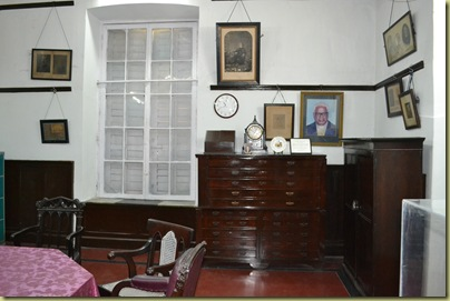 Office Warren Hastings