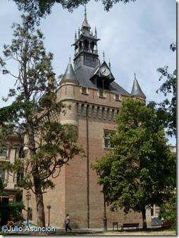Toulouse la ciudad rosa el torre n del capitolio for Oficina turismo toulouse