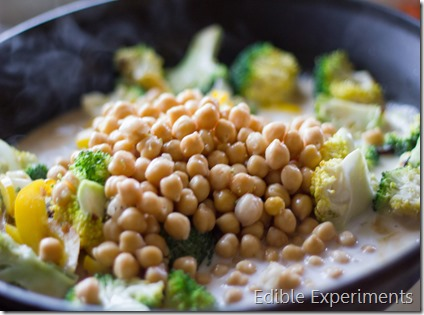 Easy Thai Green Curry with Veggies and Chickpeas-2