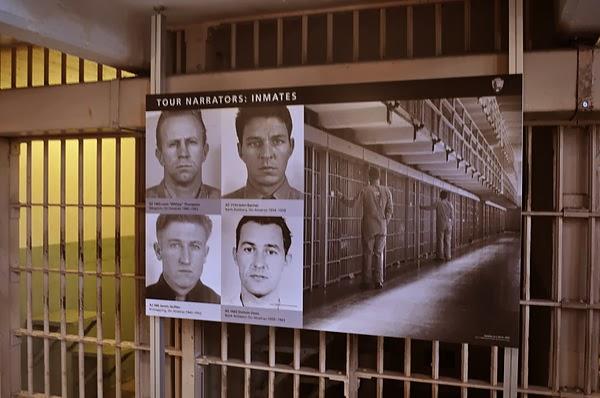 為導覽獻聲的前囚犯們