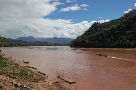 Sights of Laos: Mekong
