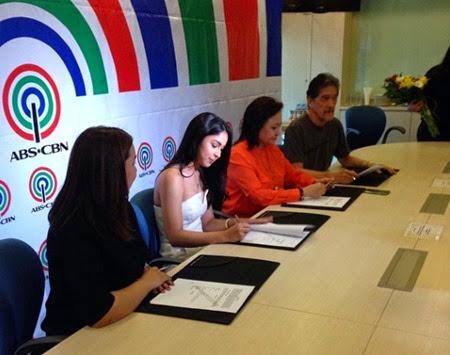 Julia Barretto signs contract with Star Cinema
