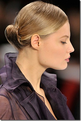 CAROLINA-HERRERA-FALL-2011-RTW-BEAUTY-033_runway