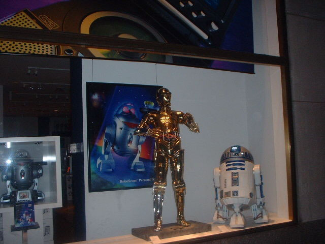 New York 2002 - c3po%252520and%252520r2d2.jpg