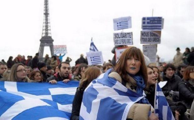 «Είμαστε όλοι Έλληνες», οι λαοί της Ευρώπης διαδηλώνουν για την Ελλάδα