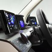 2013-Toyota-JPN-Taxi-concept-17.jpg