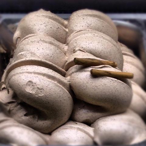#185 - cinnamon gelato at Scoop in Soho