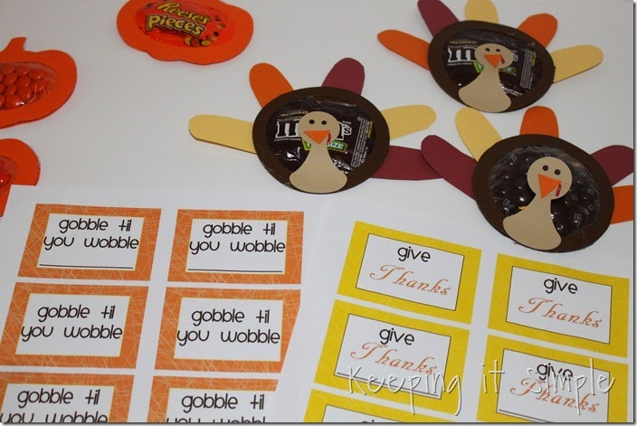 Easy Thanksgiving Candy Pouches (12)