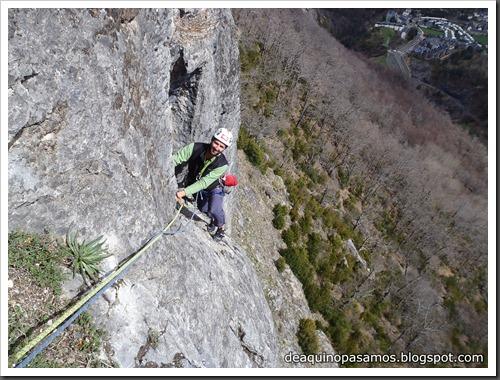 Via Diedro Sajuma 190m 6b  (6a A0 Oblig) (Peña Solano, Escarrilla) (Victor) 0556